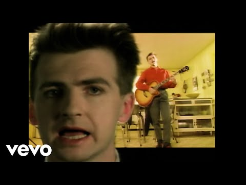 Клип Crowded House - Don't Dream It's Over