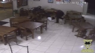 Video Unarmed Resistance Against Multiple Robbers Proves Foolish | Active Self Protection download MP3, 3GP, MP4, WEBM, AVI, FLV November 2017