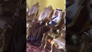 بالفيديو.. متعب بن عبدالله يحضر عزاء أحد رجال الحرس الوطني.. ويتحدث بتأثر عن علاقته مع الفقيد
