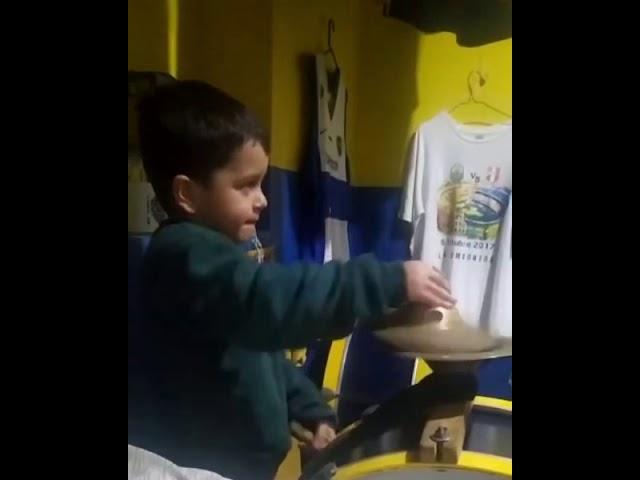 Nene de 3 años nos pone el ritmo