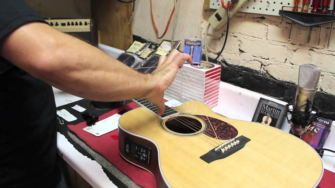 how to string a guitar w martin lifespan sp demo on a martin omc 16ogte youtube. Black Bedroom Furniture Sets. Home Design Ideas