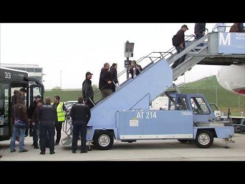 ABSCHIEBUNG: Viele Migranten reisen einfach erneut nach Deutschland ein