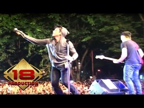 NOAH - Terbangun Sendiri   (Live Konser Banjarnegara Jateng 10 November 2013)