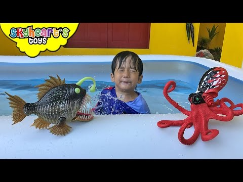 Giant OCTOPUS and Angler Fish in Swimming Pool - Animal Planet Ocean Creatures octopus toys for kids