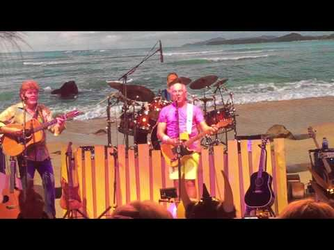 "Jimmy Buffett & The Coral Reefer Band - ""Margaritaville"" - Live April 9, 2015"