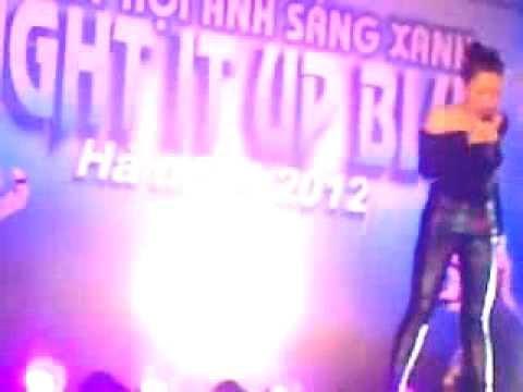 Clip Hà Linh không mặc nội y biểu diễn trước trẻ tự kỷ Hà Nội ( Sao24h.net )