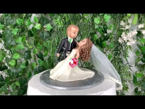 traditional-wedding-cake-topper-figurine
