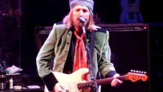 Video Tom Petty....Here Comes My Girl....10/1/14....Red Rocks download MP3, 3GP, MP4, WEBM, AVI, FLV Maret 2018