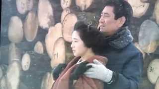 この動画は、北海道で冬にロケされた作品「駅」や「居酒屋兆治」などを...