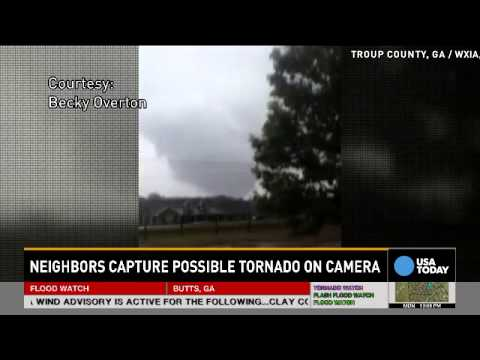 Video captures giant tornado in Georgia