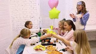 видео Пижамная вечеринка для детей