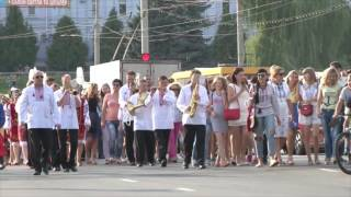 У День Незалежності України Суми вбрались у вишиванки