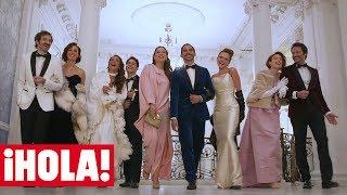 Paco León, Inma Cuesta y el elenco de '¡Arde Madrid!' nos descubren su divertida conexión con ¡HOLA!