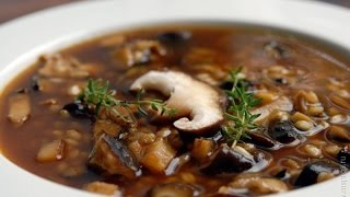 Грибной суп из лесных грибов.