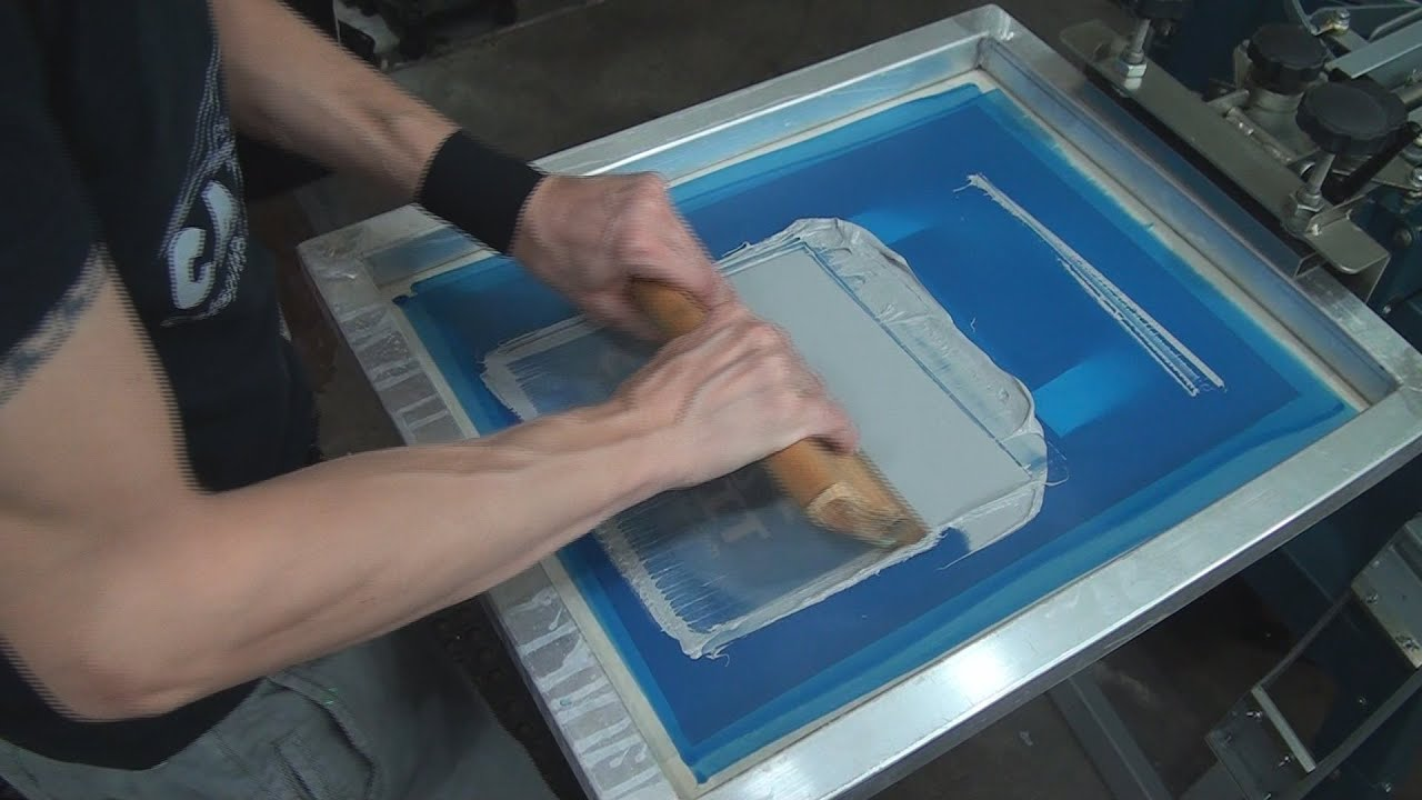 Silk Screenprinting Textiles: How To Screen Print Tote Bags - YouTube