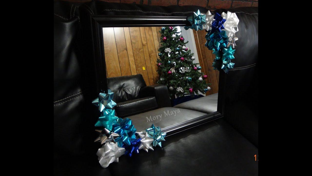 Decoracion navide a para espejos con mo os de regalo for Espejos redondos para decoracion
