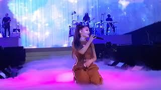 Скачать Moonlight Ariana Grande Live