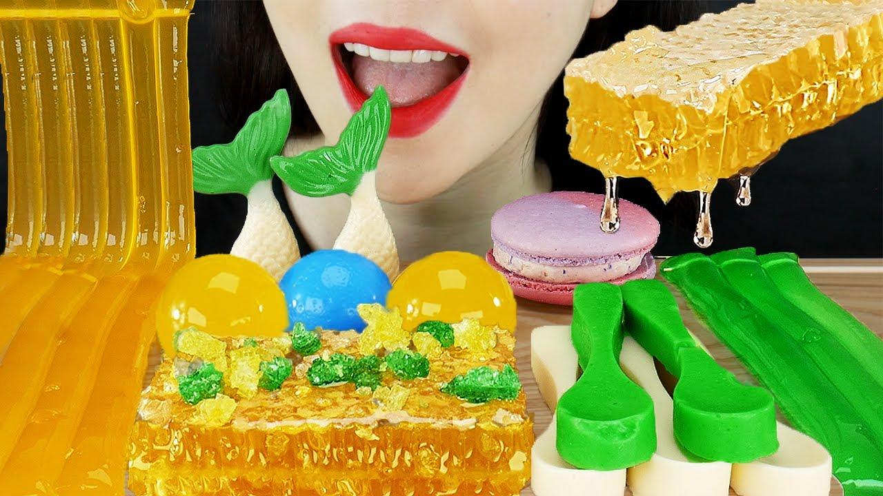 ASMR GREEN YELLOW DESSERTS MUKBANG JELLY NODDLES & HONEYCOMB & MERMAID TAILS & NANA EATING SOUND