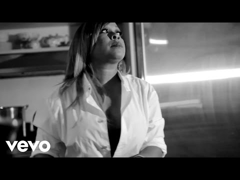 MONIFAH - ONE MOMENT