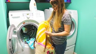DIRTY LAUNDRY DAY // CLEANING MOTIVATION // CLEANING MOM