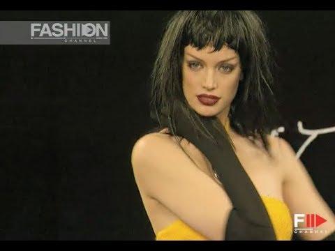 BETSEY JOHNSON Fall Winter 1996 1997 New York - Fashion Channel