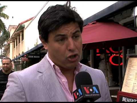 Restaurant argentino en Miami Beach cobra en pesos.mov