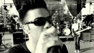 Смотреть клип Onirama - Εκεί Για Σένα Εγώ