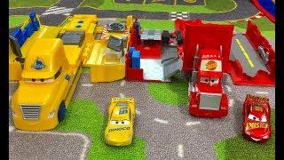 New Disney Cars 3 Toys - Cruz Ramirez Hauler VS Jackson Storm Hauler VS Mack Truck Unboxing & Re