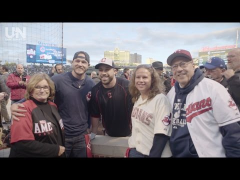 TROPHIES | Game 5 of the World Series with Jason Kipnis