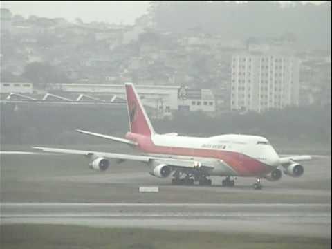 TAAG Angola Airlines B747-300 landing in GRU-São Paulo