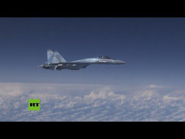 Su-27 rusos expulsan a caza de la OTAN que se acercó al avión del ministro de Defensa ruso
