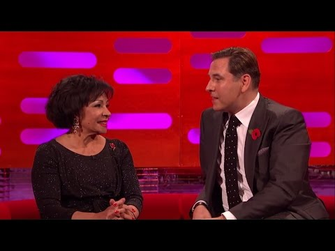David Walliams sings the theme tune to 007's Moonraker - The Graham Norton Show