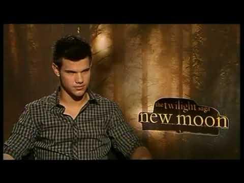 Twilight: New Moon full  with Taylor Lautner  November 10th 2009