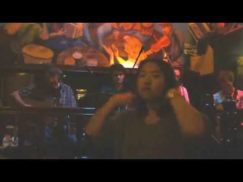 live music at O'Neill's pub in Dublin--1st ditty