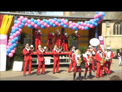 Hengelsdweil Festival Dweilorkest de Traoters Dichteren Podium 1 Langeler zondag 19april2015 Hengelo
