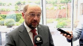 European Commission presidential candidate Martin Schulz attacks populism