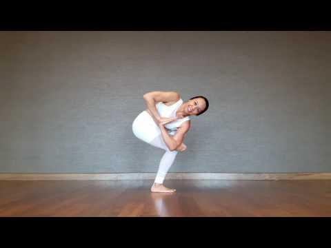 Yoga Asana Parivrtta Eka Pada Utkatasana
