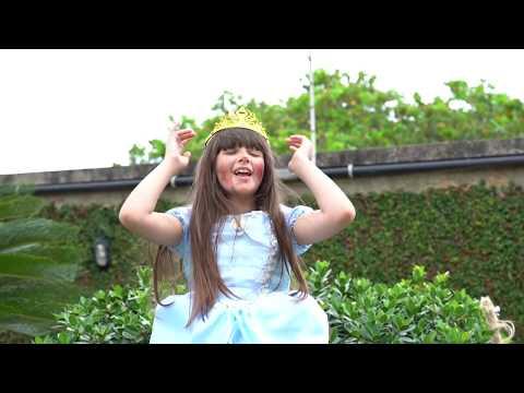 Música De Ação   Luccas Neto Para Crianças   Amiga Brava