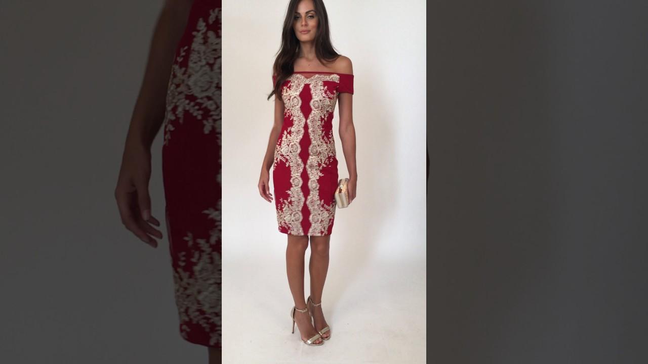 Vestido Elisabeth curto com aplicação de renda dourada Powerlook - vermelho 1e19e2f066