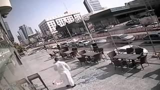 Saudi Arabia: World's luckiest man narrowly avoids death by falling sheet of glass