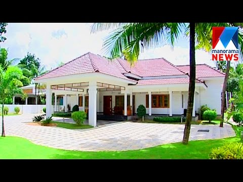Traditional kerala style beautiful house veedu old for Manorama veedu photos