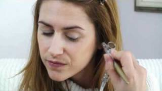 Hollywood Air Makeup Artist teaching you how to use the airbrush Thumbnail