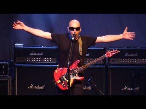 Joe Satriani - Friends, Live at Vicar St, Dublin Ireland, 20 June 2016