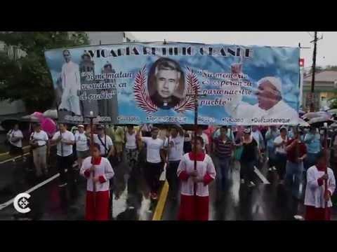 Thousands celebrate Romero beatification