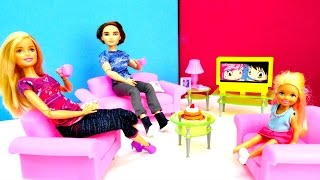 Дом Барби: новая гостиная. Собираем мебель