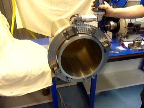 Отрезка трубы диаметром 325 труборезом ТРР-325