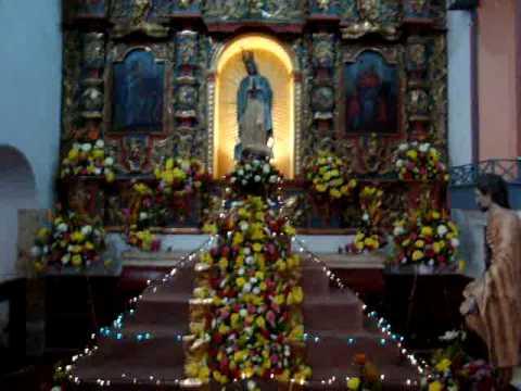 Altar de la virgen maria de guadalupe youtube for Arreglo del jardin
