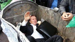 В Киеве нардепа регионала бросили в мусорный бак