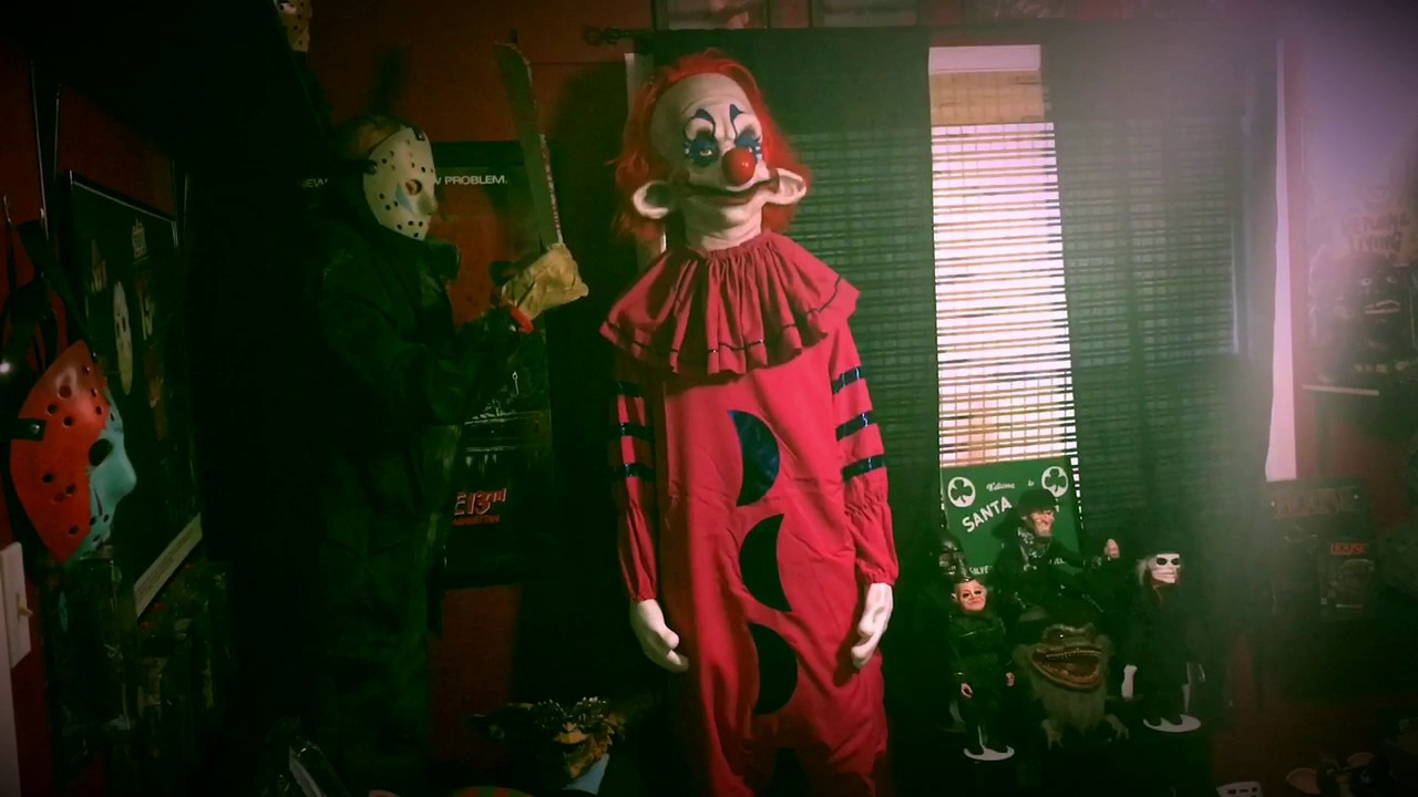 My life size killer klown from outer space youtube for Killer klowns 2