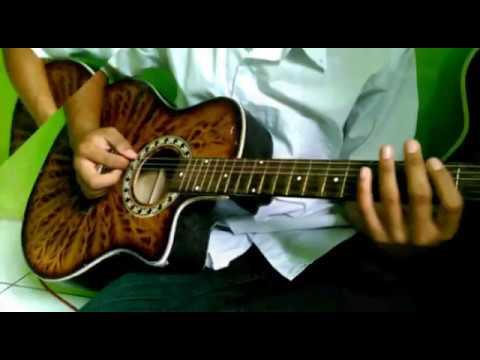 Ketika Gitar Akustik Berefek Distorsi Dengan Beberapa Teknik Ini